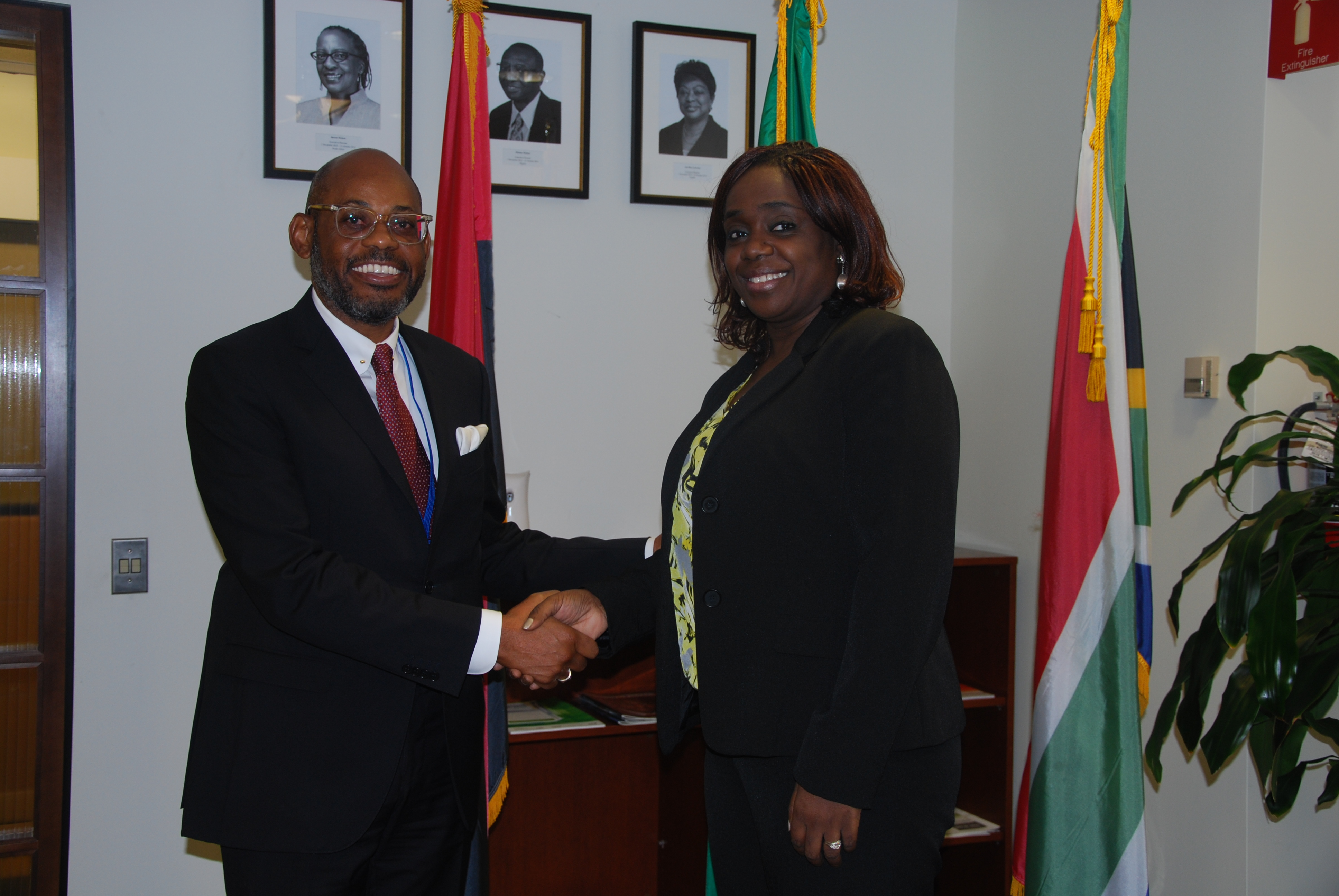 Photo of Nigeria's Finance Minister In Handing Shake With Angolan Counterpart At W'Bank Spring Meeting