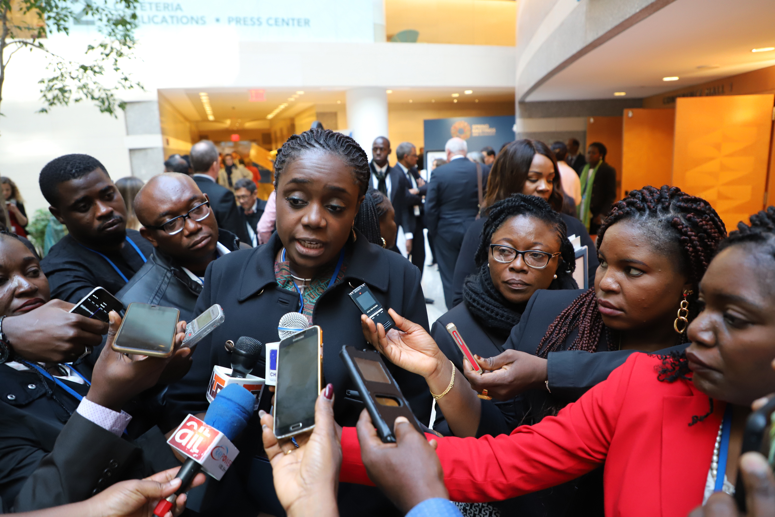 Photo of Photo News: Adeosun Briefs Nigerian Journalists After G-24 Finance Ministers Meeting